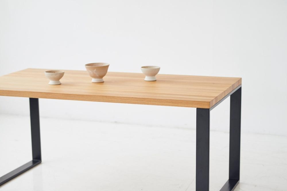 Stół z grubym dębowym blatem na czarnych nogach stół na 6 osób, stół na 8 osób, stół 200x100