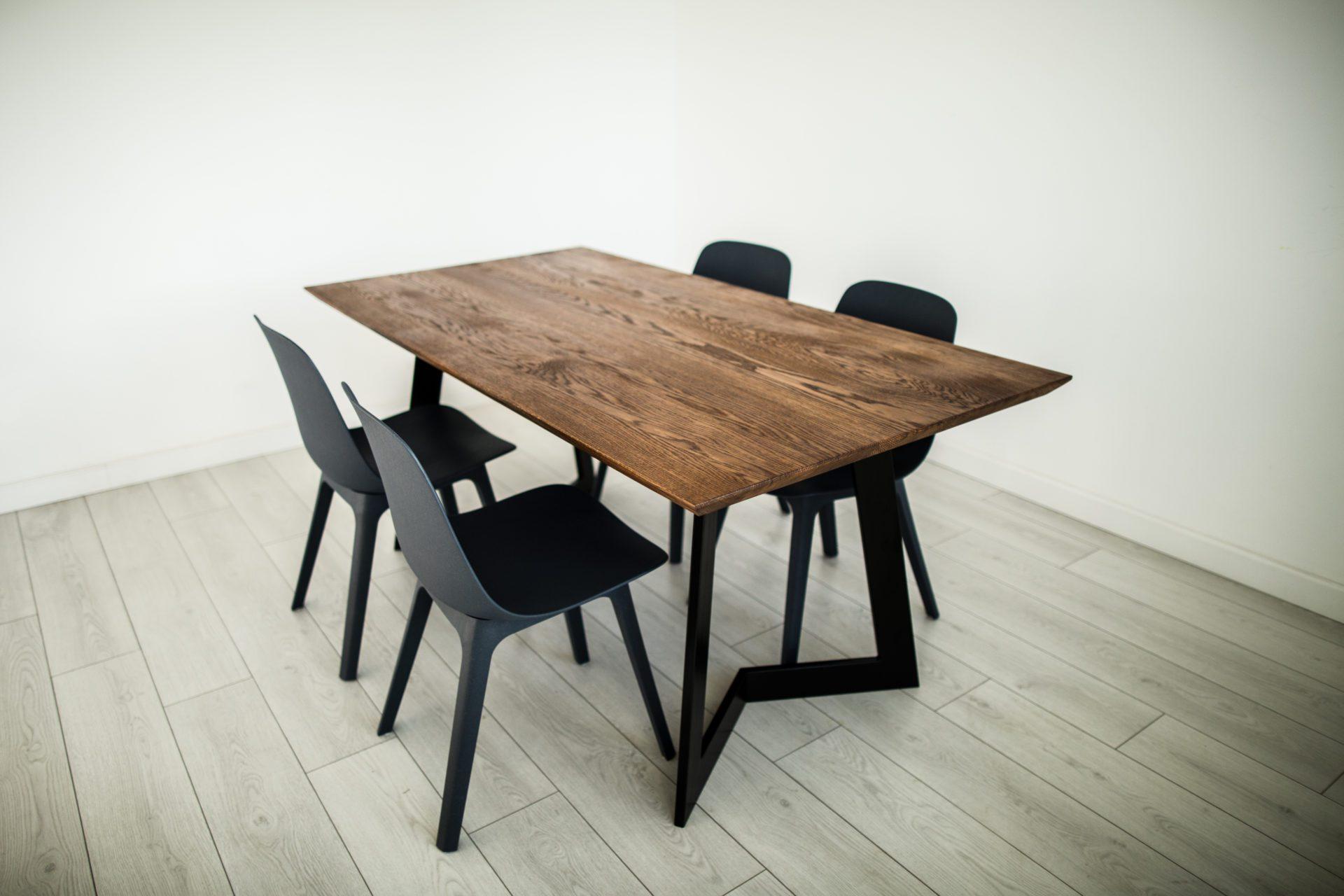prostokatny-stol-do-jadalni