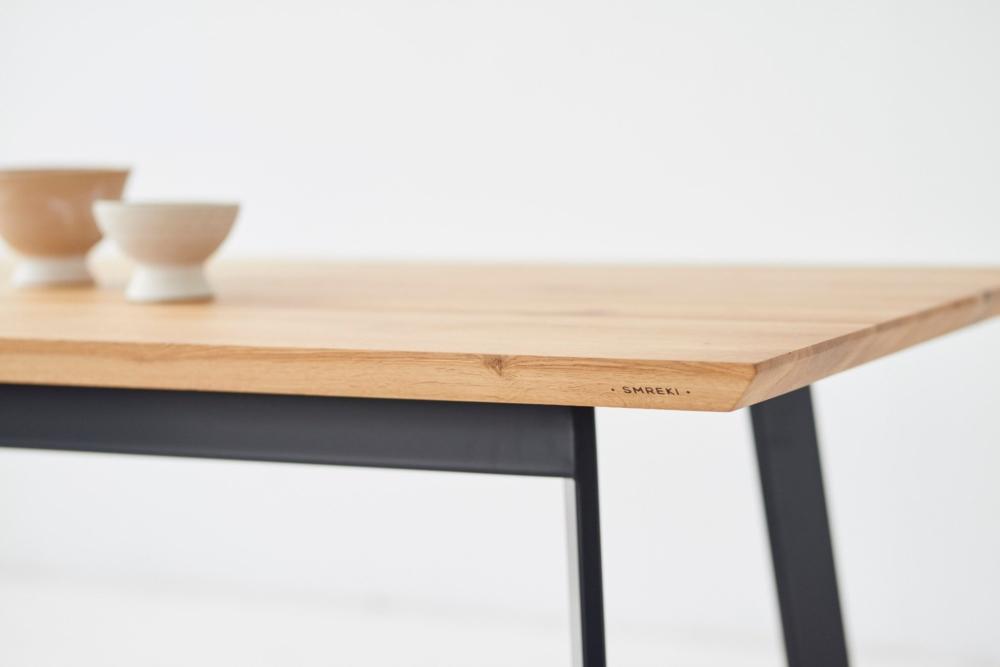 Stół dębowy ze ściętą krawędzią, stół z fazowaną krawędzią, ładny stół debowy, oryginalny stół