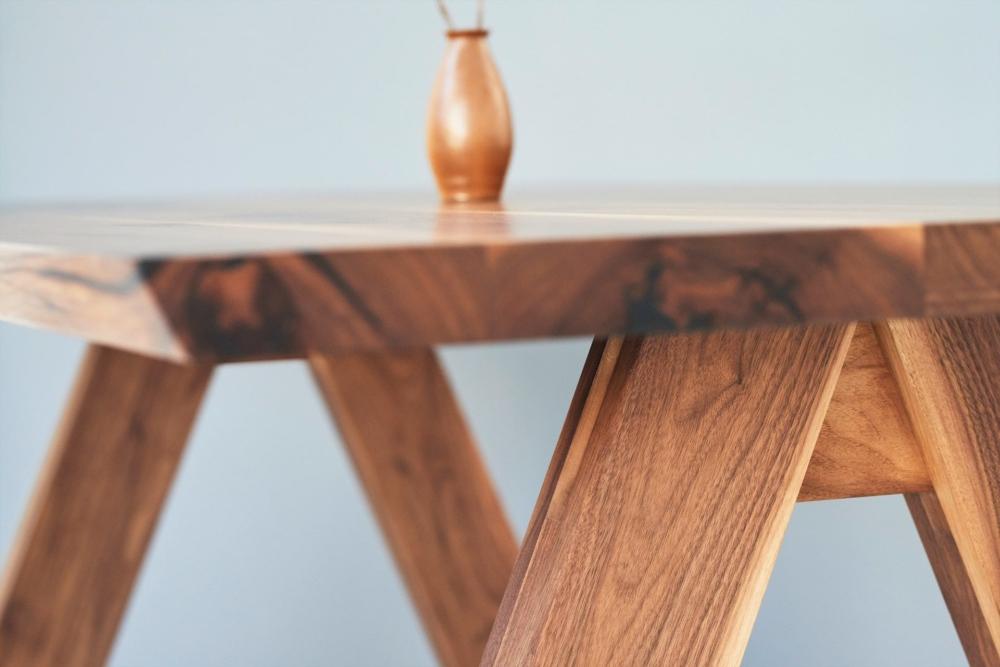 stół na drwnianych nogach z orzecha amerykańskiego, lity orzech amerykański