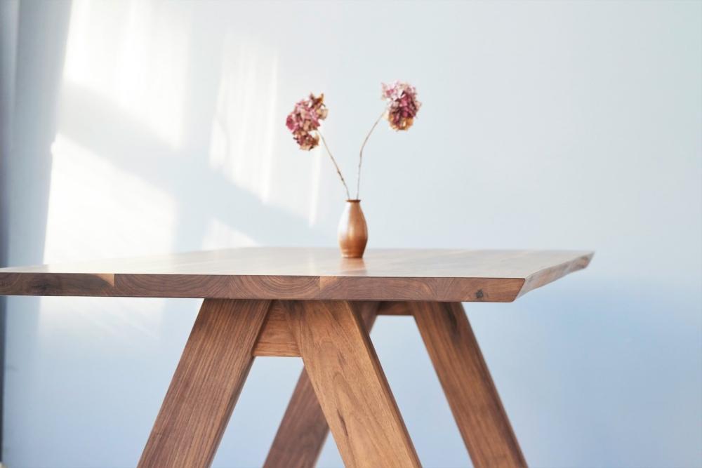 Stół z naturalną krawędzią, orzech amerykański stoły klasy premium