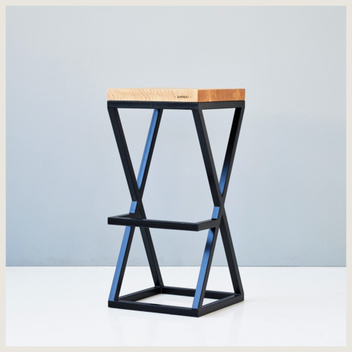 black wooden hoker seat