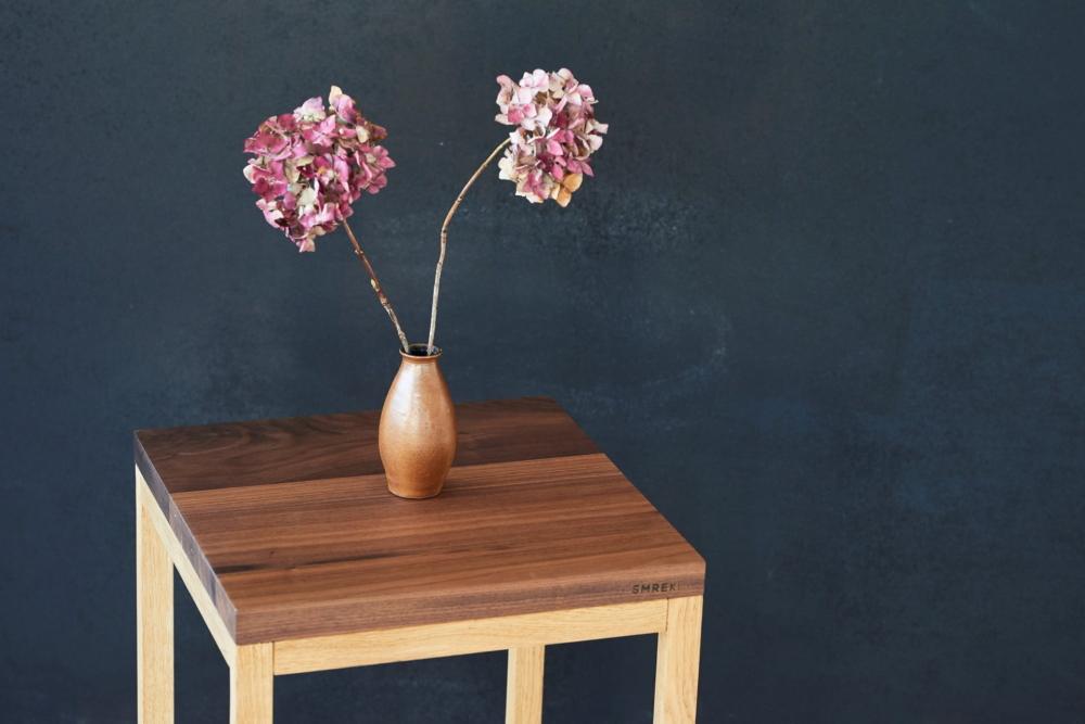 stolik pomocniczy orzechowy dębowy