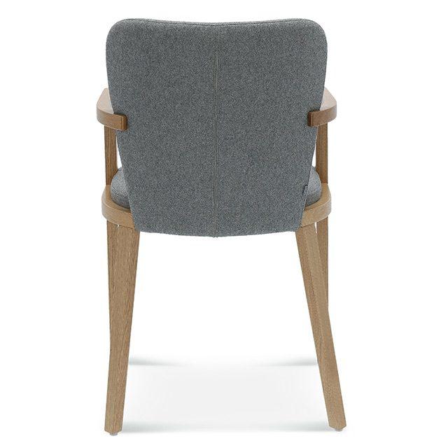 """Krzesło """"lava"""" zostało wykonane z naturalnego drewna w połączeniu z tapicerowanym siedziskiem i oparciem. Występuje również w wersji z podłokietnikiem. Krzesła z tej kolekcji zostały zaprojektowane tak aby dobrze współgrały z wnętrzem utrzymanym w stylistyce klasycznej, ale też były idealne do aranżacji wnętrz nowoczesnych. Charakteryzują się prostotą wykonania, formą, która połączyła w sobie cechy klasyczne z nowoczesnością, komfortem siedzenia i wysoką jakością materiałów użytych do ich wykonania."""