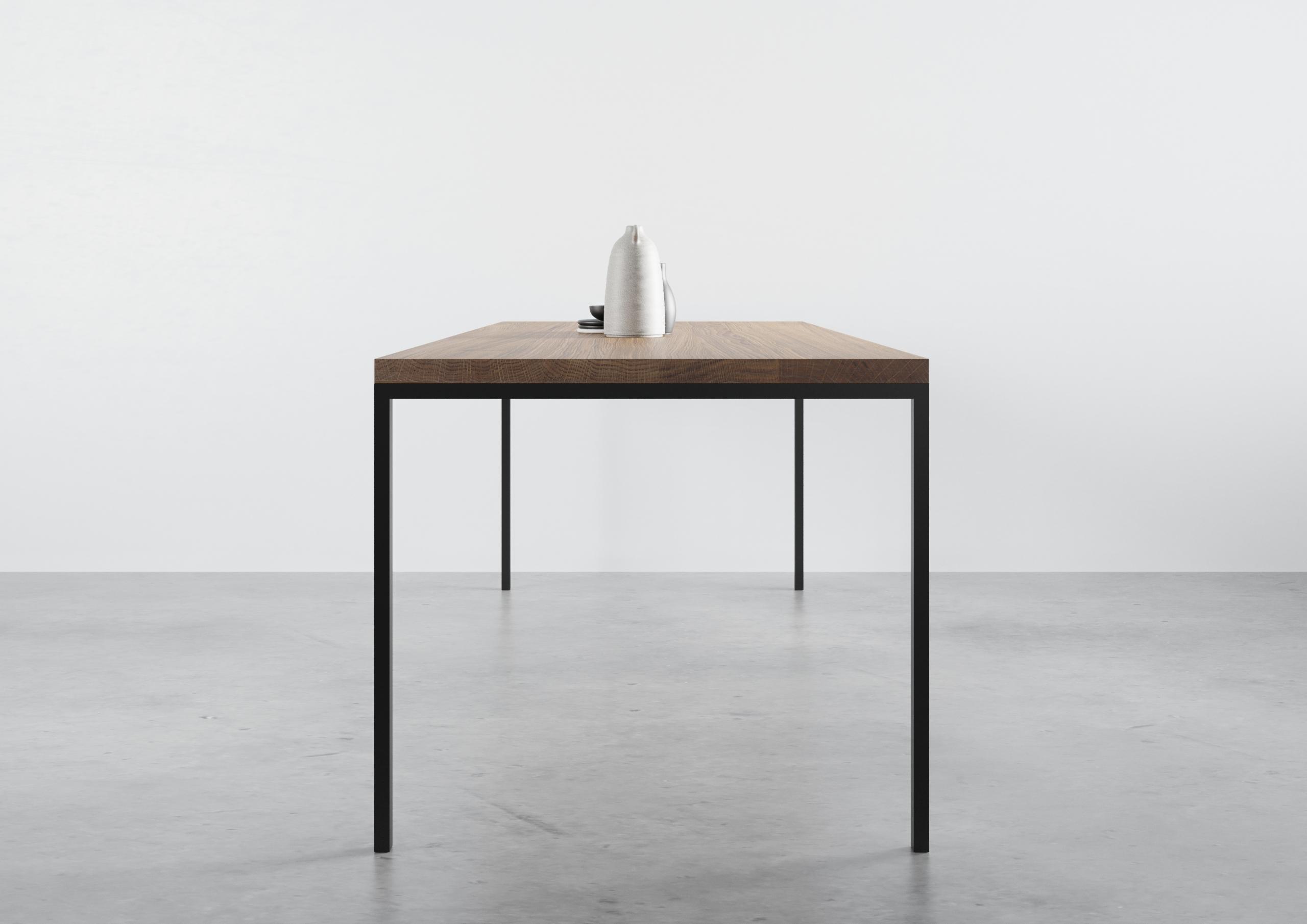 ST 14, stół dębowy do jadalni, producent stołów, prosty stół do jadalny, funkcjonalny stół do jadalni, stół do jadalni, prosta krawędź, rozkładany, stół dębowy, stół, praktyczny na lekkich stalowych nogach